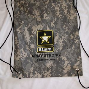 Army bag size 14 inches wide , 18 in long